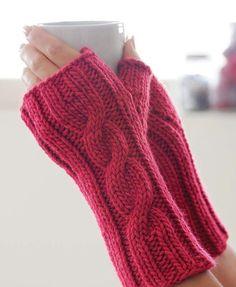 knitting fingerless gloves Free Pattern – Art Crafts – The Best Ideas Fingerless Gloves Crochet Pattern, Fingerless Gloves Knitted, Chunky Knitting Patterns, Knit Patterns, Baby Shoes, Free Pattern, Pattern Art, Art Crafts, Square Art