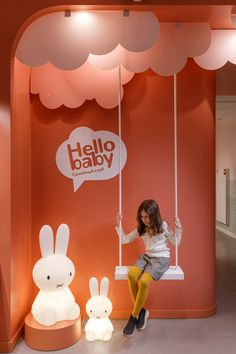 HELLO BABY on Behance Stand Design, Display Design, Kids Store, Baby Store, Vitrine Design, Ecole Design, Baby Spa, Clothing Store Design, Exhibition Booth Design