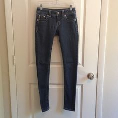FINAL PRICEMiss Me Skinny Jeans In great condition. No tears or stains.  NO TRADES AND NO HOLDS Miss Me Jeans Skinny