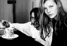 I want breakfast in bed. grunge poster children for Marc Jacobs' 1992 collection for Perry Ellis: Kate Moss & Johnny Depp. I want breakfast in bed. grunge poster children for Marc Jacobs' 1992 collection for Perry Ellis: Kate Moss & Johnny Depp. Grunge Look, 90s Grunge, Grunge Style, Grunge Fashion, 90s Style, Celeb Style, Soft Grunge, Grunge Outfits, Johnny Depp