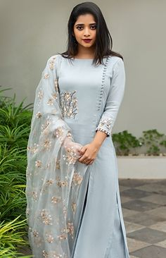 We are very much aware of changing fashion trends and we keep that in our designing. Simple Kurti Designs, Stylish Dress Designs, Kurta Designs Women, Kurti Neck Designs, Kurti Designs Party Wear, Stylish Dresses, Simple Dresses, Indian Fashion Dresses, Indian Gowns Dresses
