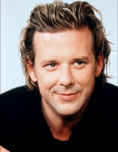 Handsome Mickey Rourke BEFORE his horrible plastic surgery Famous Men, Famous Faces, Mickey Rourke Sin City, Hollywood Actor, Hollywood Stars, Hollywood Icons, Mickey Rourke Plastic Surgery, Photo Portrait, Thriller Film