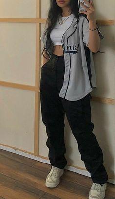 Una chica en un mundo que a los 16 puede crear a su chico soñandolo,Y… #detodo # De Todo # amreading # books # wattpad Tomboy Fashion, Teen Fashion Outfits, Indie Outfits, Swag Outfits, Retro Outfits, Streetwear Fashion, Grunge Outfits, Girl Streetwear, Emo Fashion