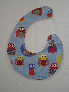 Spucktuch für Babys - Molton und Baumwolle mit Kam Snaps zum Verschließen Kam Snaps, Babys, Pillows, Cotton, Babies, Cushion, Newborn Babies, Baby Baby, Infants