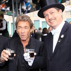 Peter Maffay trinkt Lüttje Lage  #lüttjelage #hannover #bruchmeister #sommerfest #niedersachsen #tradition #beer #schnaps #