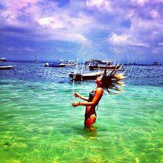 summer hair-flipping hair in water