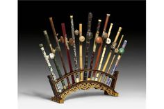 13 FINE OPIUM PIPES IN VARIOUS MATERIALS. China, 19th and 20th century, length max. 63.5 cm. Wood