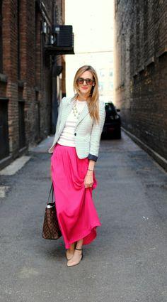 pink maxi skirt with striped blazer Look Casual Chic, Moda Casual, Look Chic, Casual Looks, Modest Outfits, Modest Fashion, Skirt Outfits, Apostolic Fashion, Modest Clothing