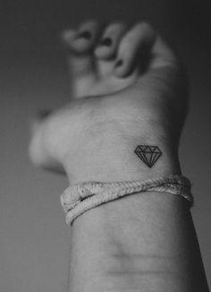 Best 50 Pretty Small Tattoo Designs for Girls #tattoosforwomensmall