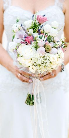 Hochzeitswahn - Sei inspiriert mit Blumen und Brautstraeussen