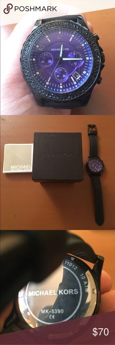 Michael Kors watch Mint Michael Kors watch! Comes with original Michael Kors protective box and pillow for the watch to rest on. Is rated at a 10atm which means waterproof up to 100m (300 ft). Minor scratch on glass face, most likely can be buffed out (image 4). Just put a brand new battery in it today, done by a professional! Also comes with Michael Kors manual for watch. Originally priced at $195. Have tons of watches already and need to let one go. This says women's, but is also a men's…