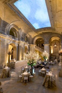 A silver-and-white cocktail hour at the New York Public Library   @picturebunny   Brides.com