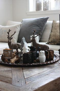 Christmas Coffee Table Decor Idea   Charm Design.