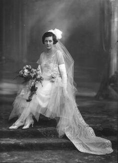 Miss Yvonne Morton Bell, later Mrs Kenneth Macdonald ( ).