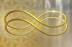 """""""En lugar de desperdiciar nuestros preciosos momentos mencionando todo lo que está distorsionado en relación al juego financiero mundial, estamos sondeando en lo profundo de nuestro ser con objeto de lograr un entendimiento esencial, para así determinar cómo vamos a co-crear un cambio duradero."""" Yoga Studio Design, Wicca, Feng Shui, Angelic Symbols, Yoga Inspiration, Gold Money, Certificate Design, Spiral Pattern, Reiki"""