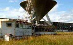 Alieni contattano la Terra: cosa succede se non siamo soli? In Russia, il piú grande radiotelescopio del mondo ha captato un segnale proveniente dalla stella HD 164595 a circa 95 anni luce dalla Terra. Mentre si aspettano le verifiche del caso, cosa succedere #ufo #alieni #spazio #terra #luna #sole