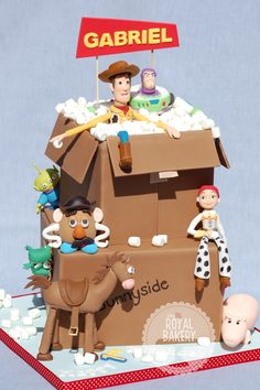 The Royal Bakery - Toy Story Cardboard Box Cake. Original design by Little Cherry Cake Company Fête Toy Story, Bolo Toy Story, Toy Story Cakes, Toy Story Party, Toy Story Birthday, Crazy Cakes, Fancy Cakes, Cute Cakes, Character Cakes