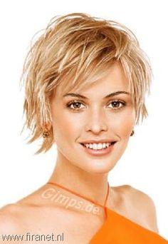 Short shag haircuts for thick hair hair-i-want Shaggy Short Hair, Short Thin Hair, Short Hairstyles For Thick Hair, Haircut For Thick Hair, Hairstyles For Round Faces, Short Haircuts, Shaggy Hairstyles, Layered Hairstyles, Trendy Hairstyles
