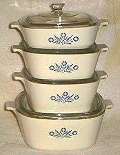 Good old Corningware they last and last and last, just come look in my kitchen ! Ours were a wedding and still use! - Love my Cornflower Corning Ware dishes! My Childhood Memories, Sweet Memories, Vintage Dishes, Vintage Kitchen, Peter Et Sloane, Oldies But Goodies, Ol Days, Good Ole, My Memory