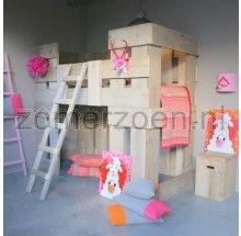 Steigerhouten Stapelbed Fiene. Een stoer prinsessenbed voor een stoer meisje. Dit bed bekijk je in onze winkel in Milheeze.