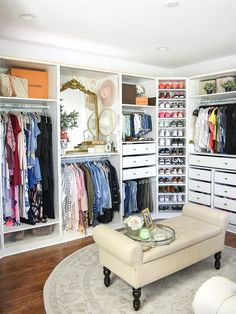When we say dressing, we already imagine the shelves filled from floor to ceiling. But your dressing room is located in the attic, in a room under the roof … No panic! Master Closet Design, Walk In Closet Design, Master Bedroom Closet, Closet Designs, Closet Rooms, Ikea Pax Closet, Ikea Closet System, Diy Walk In Closet, Simple Closet