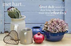 Lééf met hart en siel | Aanlyn-tydskrif Afrikaans Quotes, Diy Gift Baskets, Prayer Book, Inspirational Quotes, Motivational Quotes, Diy Kitchen, Kitchen Storage, Meet, Words