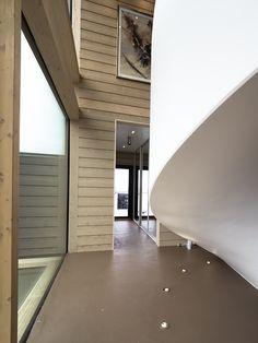 PART2 - The starting point for the entire lighting design of the building was this staircase. By our lighting design we wanted to emphasize the shape of the stairs. Velmu & Spectri LED-lights are perfect solution!Valaistussuunnittelun lähtökohtana tässä talossa olivat nämä portaat. Valaistuksessa haluttiin korostaa näitä muotoiltuja portaita. Velmu & Spectri LED-valaisimet ovat loistava valinta siihen!