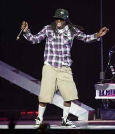 he always looks like he has so much fun performing :)