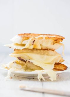 Fontina and Mozzarella Grilled Cheese Sandwich