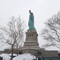 Happy New Year Buttons Online, Statue Of Liberty, Happy, Travel, Statue Of Liberty Facts, Viajes, Statue Of Libery, Ser Feliz, Destinations