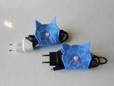 Range - câbles chats en tissu bleu : Etuis, mini sacs par chatbleu
