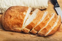Bread without Yeast. What is 'autolysis' and how does it work? Let's figure it out together – so we can make bread without yeast! Best French Bread Recipe, French Bread Loaf, Making Bread Without Yeast, How To Make Bread, Diabetic Bread, Sweet Potato Dinner, Challah Bread Recipes, Herb Bread, Fresh Bread