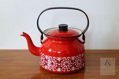Finel PUNAHILKKA enamel coffee pot - FourSeasons.fi Hood Pattern, Red Riding Hood, Little Red, Finland, Tea Pots, Enamel, Ceramics, Coffee, Retro