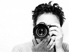 Renomados fotógrafos exibem imagens capturadas com câmeras analógicas da marca Nikon.