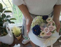 Flower cake #koreancake #fourseasons #buttercream #peonies #tulip #flower #wilton #desert #cakedesign #cake