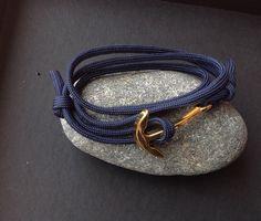 bracelet homme ancre marine dorėe montée sur paracorde Bleu marine . : Bijoux pour hommes par made-with-love-in-aiacciu