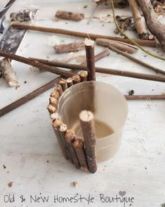Making a barrel for a wishing well with a lid twigs wishingwell fairyfurniture fairy fairygarden makethings prettythings create unique diy fairy garden and furniture design Mini Fairy Garden, Fairy Garden Houses, Fairies Garden, Diy Fairy House, Fairy Gardening, Gardening Books, Fairy Crafts, Garden Crafts, Flower Crafts