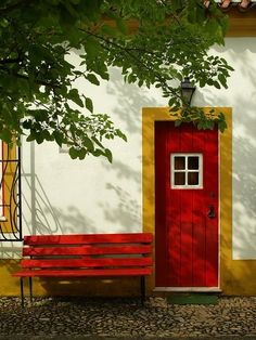 [DOOR] [looks like legos] Alentejo, Portugal Cool Doors, Unique Doors, Marvao Portugal, Photo Portugal, Porches, Red Bench, Trim Work, Windows And Doors, Red Doors