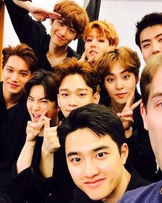 My heart aches to see eight, instead of twelve💔 but I wish them the best and good luck to them all❤️❤️ Exo Kai, Exo Chanyeol, Kyungsoo, Exo Group Photo, Exo Ot12, Chanbaek, Chansoo, Exo Album, Exo Lockscreen
