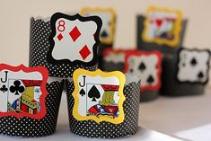 Cute candy cups for a casino party! The cup decorations were cut out from an old deck of cards. Las Vegas Party, Vegas Theme, Casino Night Party, Casino Theme Parties, Vegas Birthday, Magic Birthday, 80th Birthday, Fète Casino, Magician Party