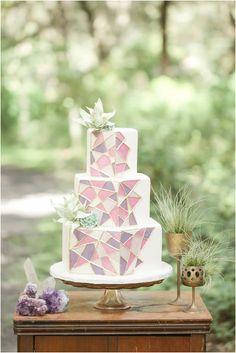 LOVE this cake! Amalie Orrange Photography   Orlando Wedding