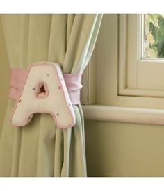 Wooden Wall Letters for a curtain tie-back in Children's Rooms Wooden Wall Letters, Letter Wall, Baby Decor, Kids Decor, Childrens Curtains, Shabby, How To Make Curtains, Curtain Tie Backs, Little Girl Rooms