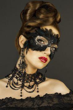 Beautiful mask and necklace Masquerade Party, Masquerade Masks, Masquerade Makeup, Masquerade Outfit, Masquerade Dresses, Beautiful Mask, Carnival Masks, Venetian Masks, Black Mask