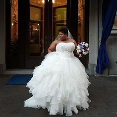 GREAT BOTTOM with a fitted tight tshirt top??? Plus Size Wedding Dress