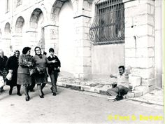File:Materdomini di Caposele (AV), 1973, Festa di San Gerardo la fiera. (4).jpg