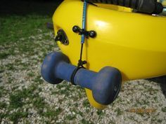 DIY Ingenious Kayak Fishing Anchor with a Retractable Dog Leash  #tentthelifestraw.com