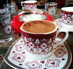 Turkishcoffee Coffee Vs Tea, Coffee Cafe, Black Coffee, Coffee Drinks, Coffee Presentation, Turkish Coffee Cups, Good Morning Coffee, Espresso Cups, Coffee Lovers