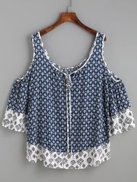 To find out about the Navy Ornate Print Contrast Trim Cold Shoulder Top at SHEIN, part of our latest Blouses ready to shop online today! Trendy Tops, Cute Tops, Diy Clothes, Clothes For Women, Casual Outfits, Cute Outfits, Mode Top, Refashion, Dress Patterns