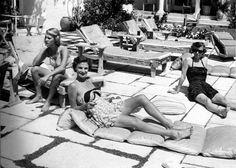 Poolside fashion at Club du Pont. 1950