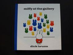 Miffy geht mit ihren Eltern ins Museum, hat viel Spaß und wundert sich manchmal - ein Kunstwerk über Kunstwerke.